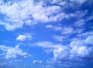 cielo-blu-e-nuvole_2498873